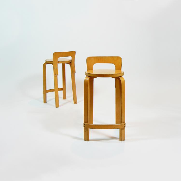 Taburetes de Alvar Aalto