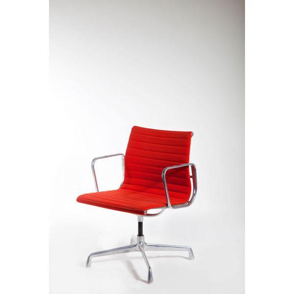 Pareja de sillas de despacho de Ray & Charles Eames, Serie Aluminium