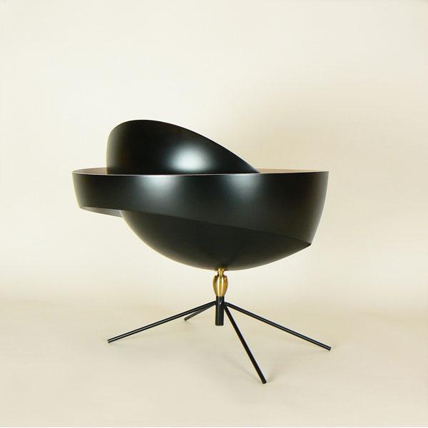 """Lámpara de despacho Serge Mouille modelo """"Saturno"""", artesana y de diseño único. Fabricación francesa de calidad en acero lacado"""