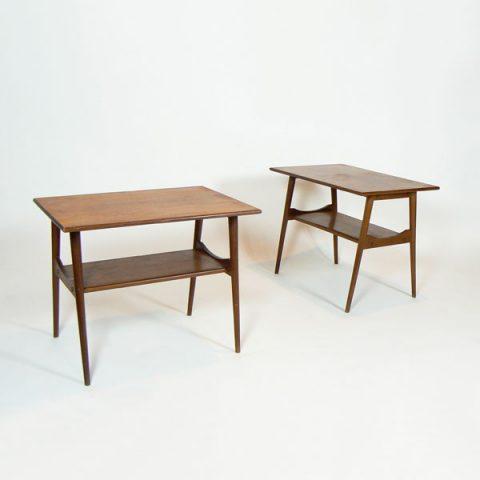 Pareja de mesas auxiliares