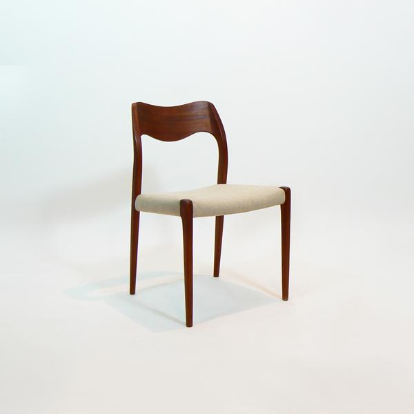 Conjunto  de sillas de Niels Ole Moller