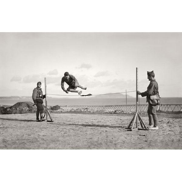 """Bartolomé Ros. """"Soldados legionarios haciendo deporte en el Cuartel de Dar Riffien"""""""