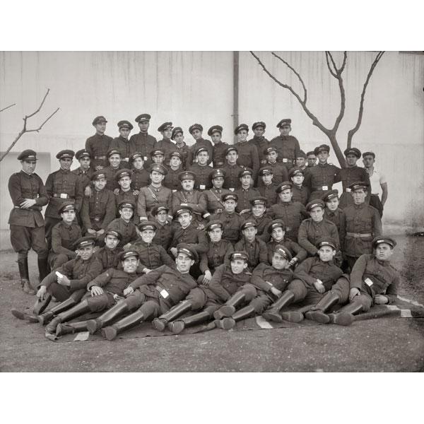 """Bartolomé Ros. """"La oficialidad del Regimiento de Infantería de Ceuta, entonces nº60, delante del Cuartel de la Reina"""""""