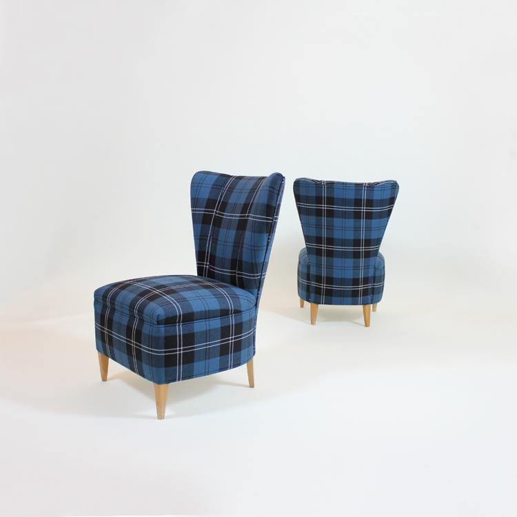 Pareja de sillones descalzadoras franceses