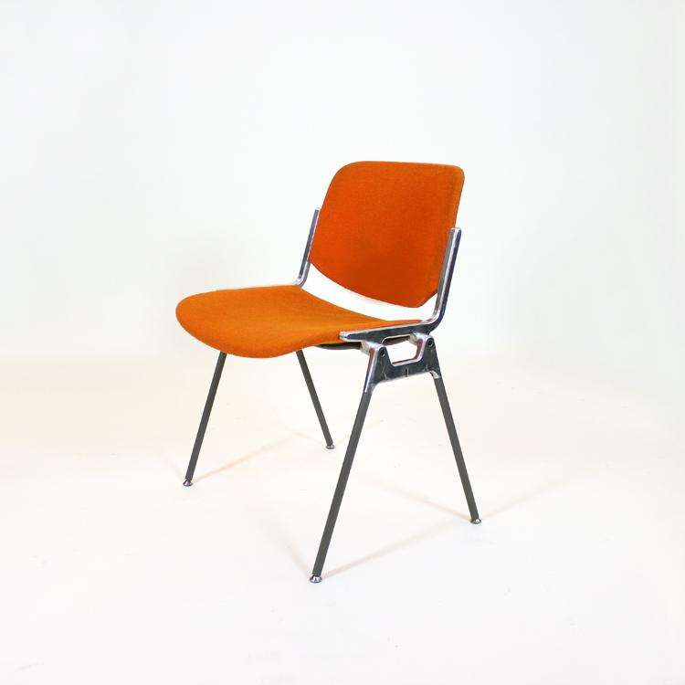 Conjunto de cuatro sillas de Giancarlo Piretti para Castelli