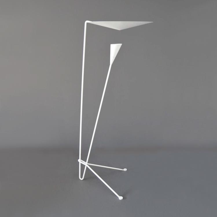 Lámpara de suelo modelo B211 de Michel Buffet