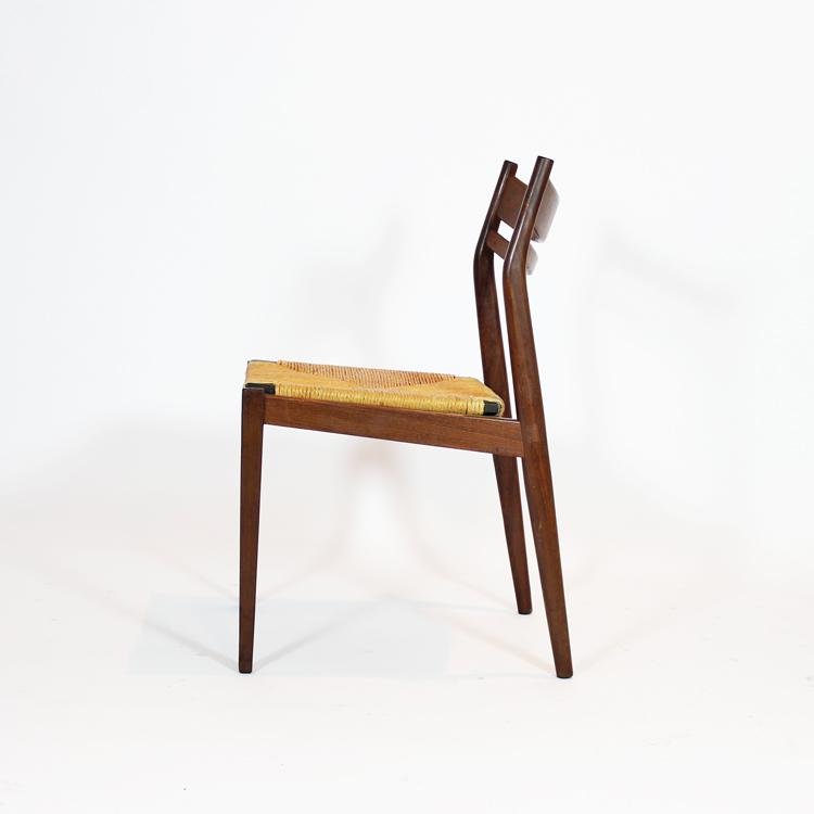 Conjunto de seis sillas en teca y asiento de enea, años 60