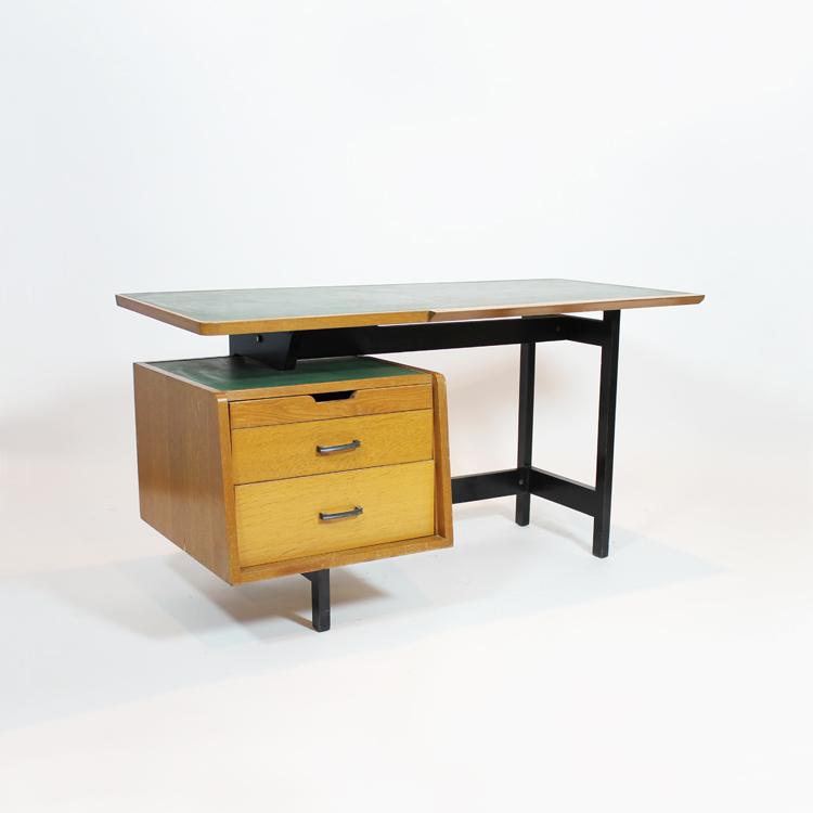 Mesa despacho. Francia, hacia 1950