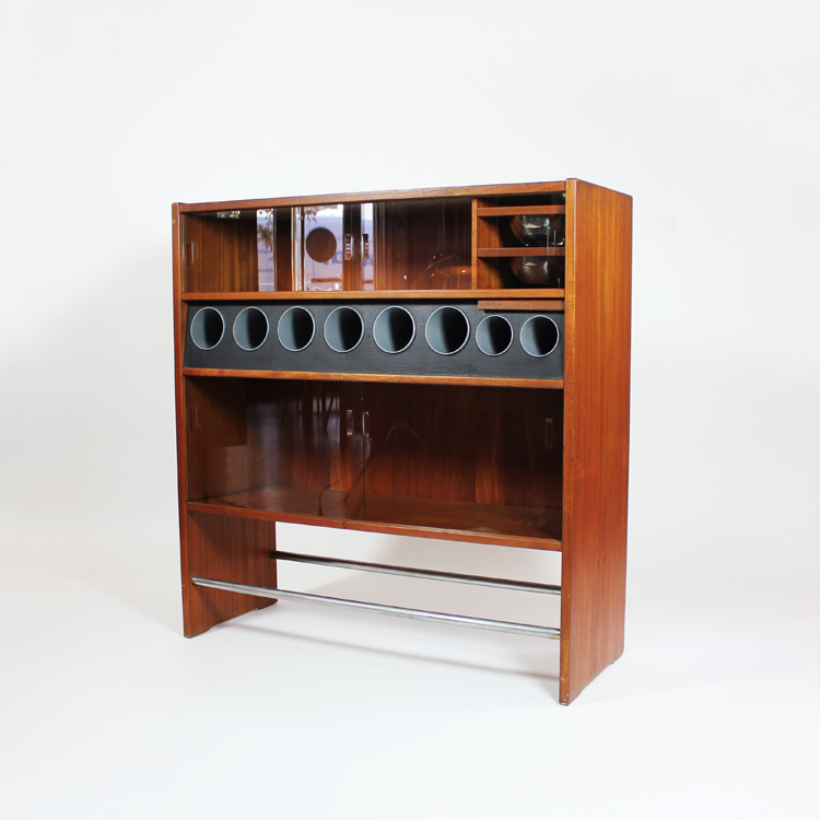 Mueble bar dise o de erik buch dinamarca 1960 for Muebles bar diseno