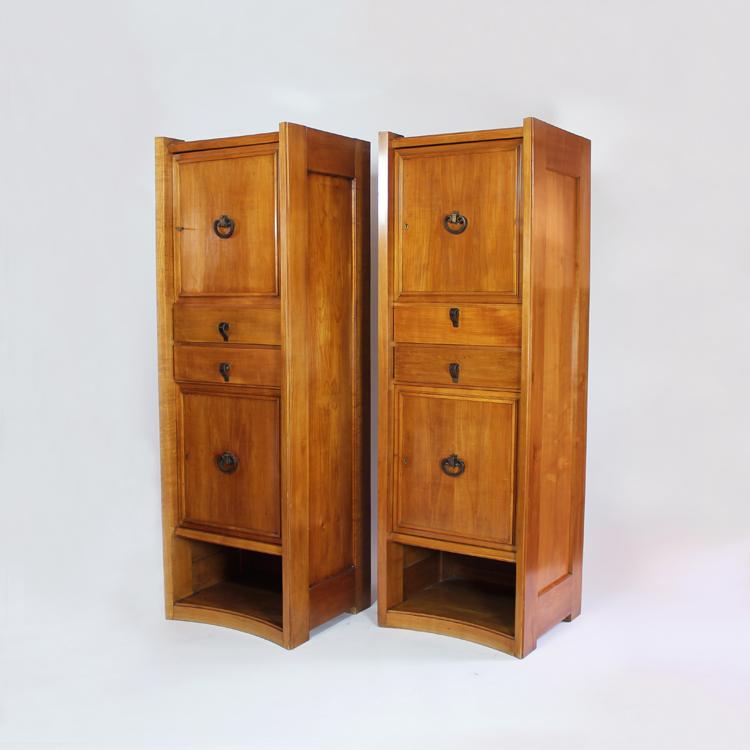 Tres muebles atribuidos a Maxime Old. Francia, años 40