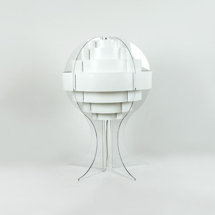 Lámpara de mesa. Italia, años 80