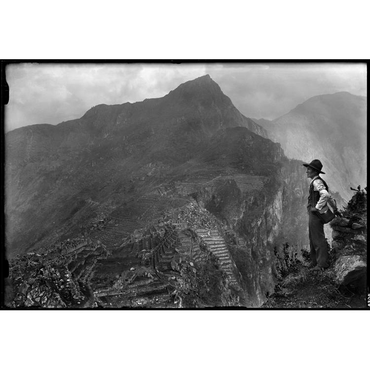 Chambi, autorretrato desde Wayna Picchu
