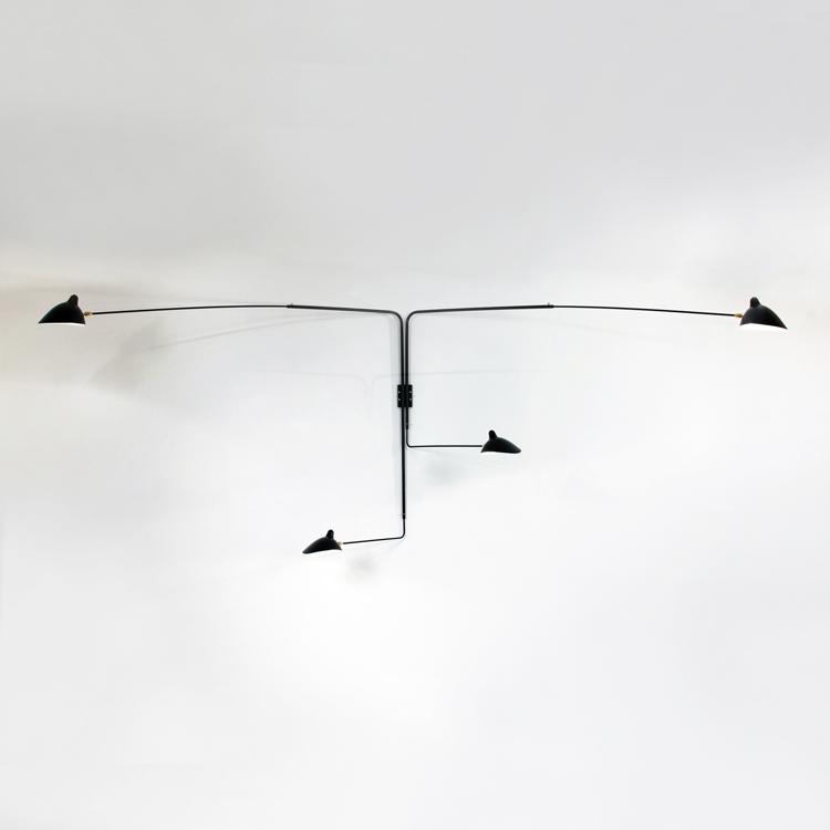 Aplique de pared diseñado por Serge Mouille en Francia, fabricado artesanalmente en acero negro