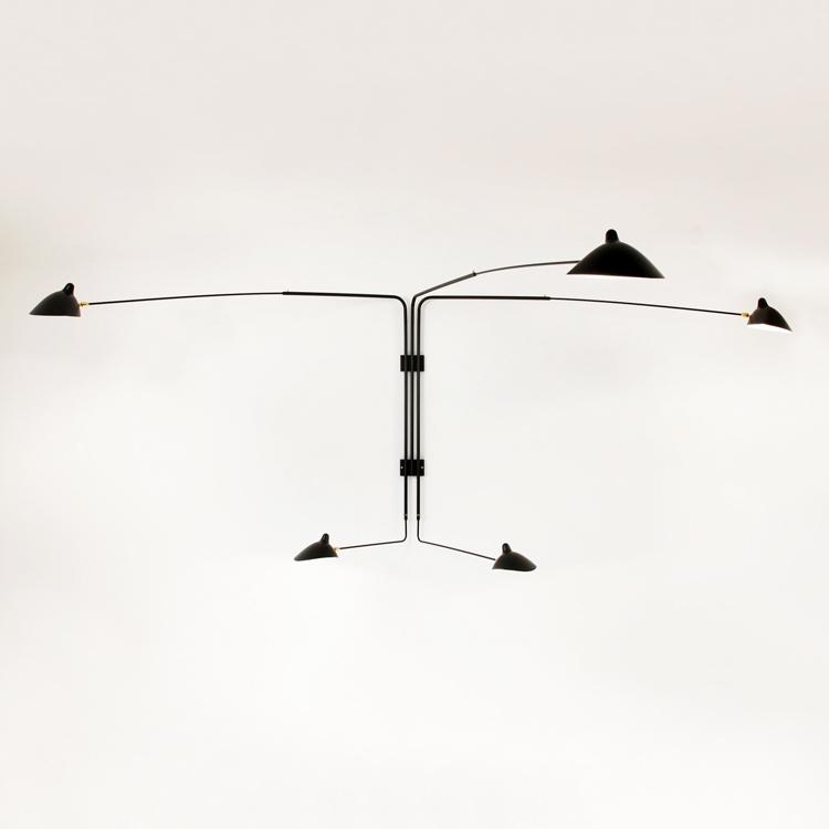 Aplique de pared en acero de cinco brazos giratorios, original de Serge Mouille en Francia. Pieza única de colección