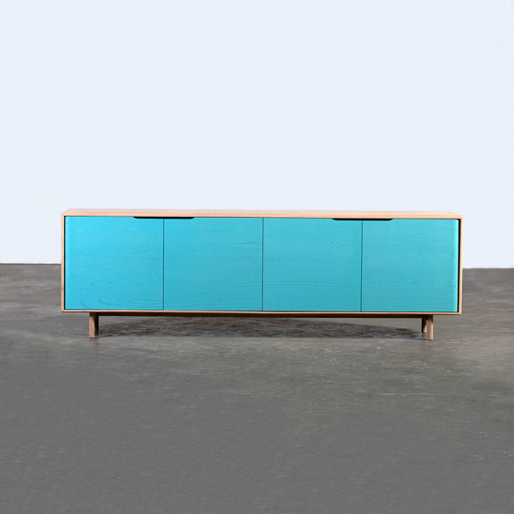 Aparador. Colección Invito. Diseño de Michael Schneider