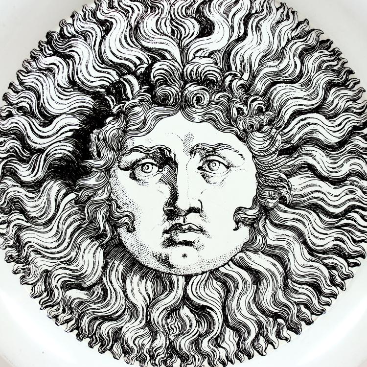 Bandeja. Diseño de Piero Fornasetti