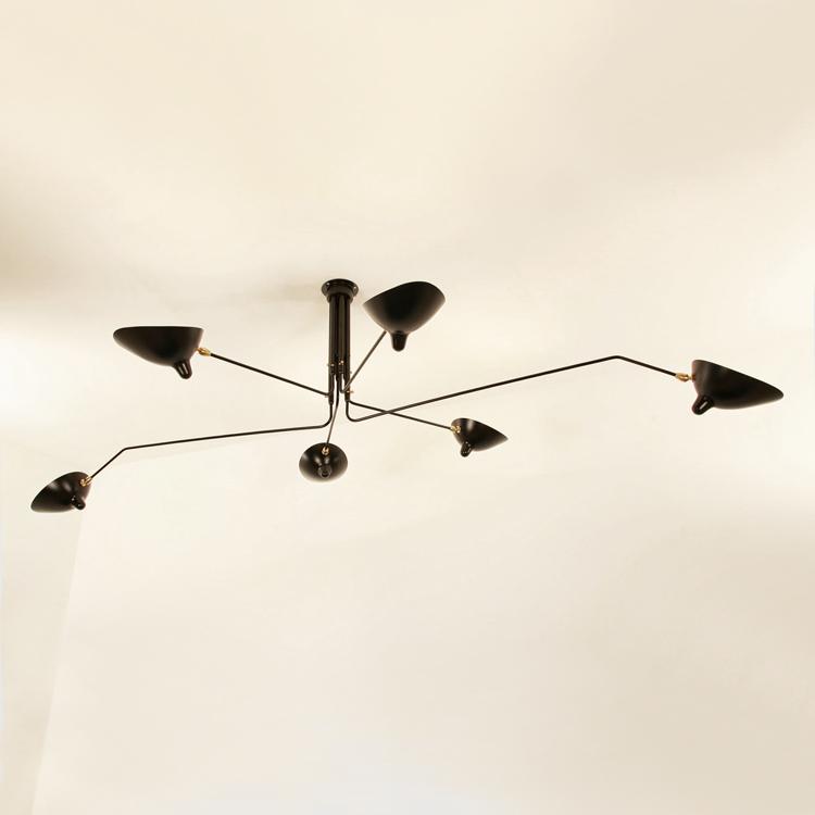 Lámpara de techo Serge Mouille, de seis brazos en acero negro. Pieza de colección diseñada en la década de los 50 en Francia