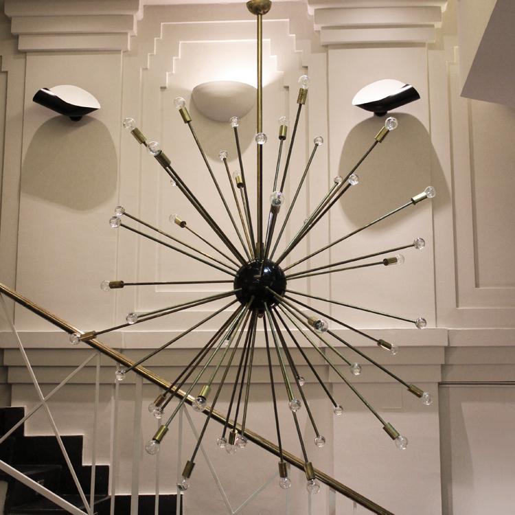 Gran lámpara Sputnik. Italia, hacia 1960