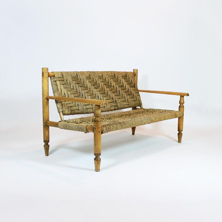 Sofá de madera y enea. Turín, hacia 1940