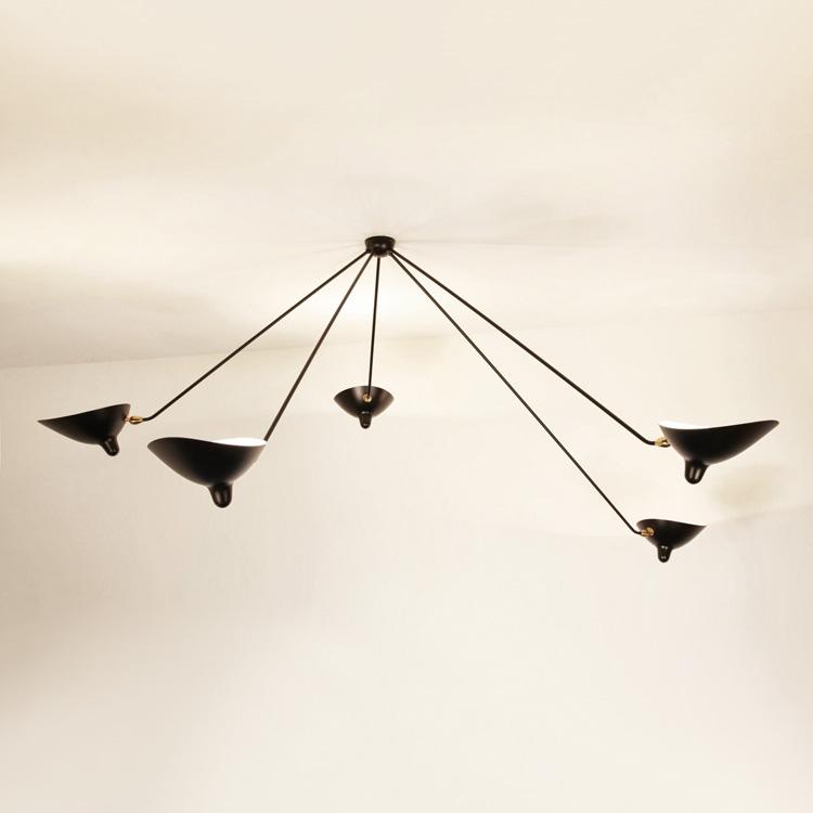 """Lámpara de techo """"Araña"""" cinco brazo Serge Mouille. Fabricación en acero lacado negro y bronce en Francia"""