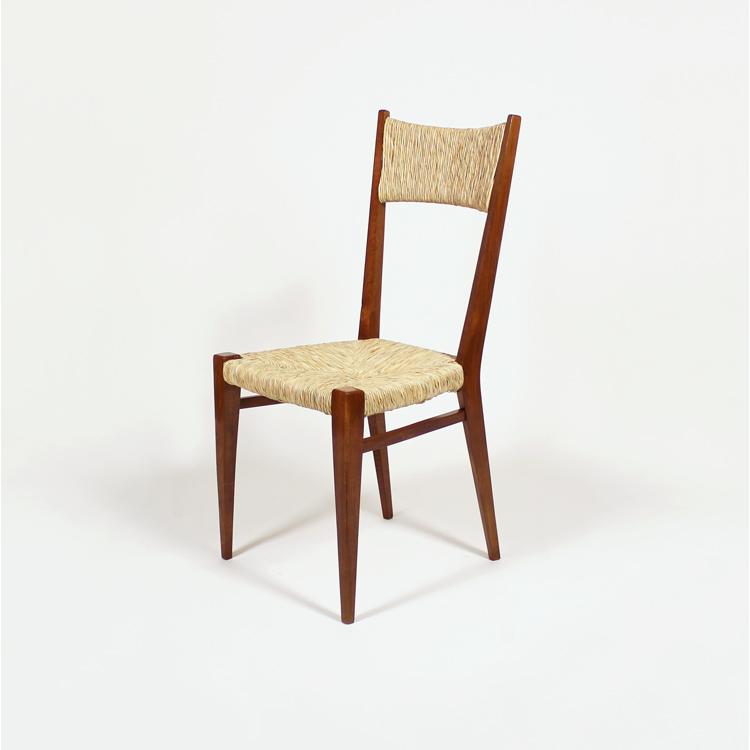 Conjunto de cuatro sillas. Francia, años 50