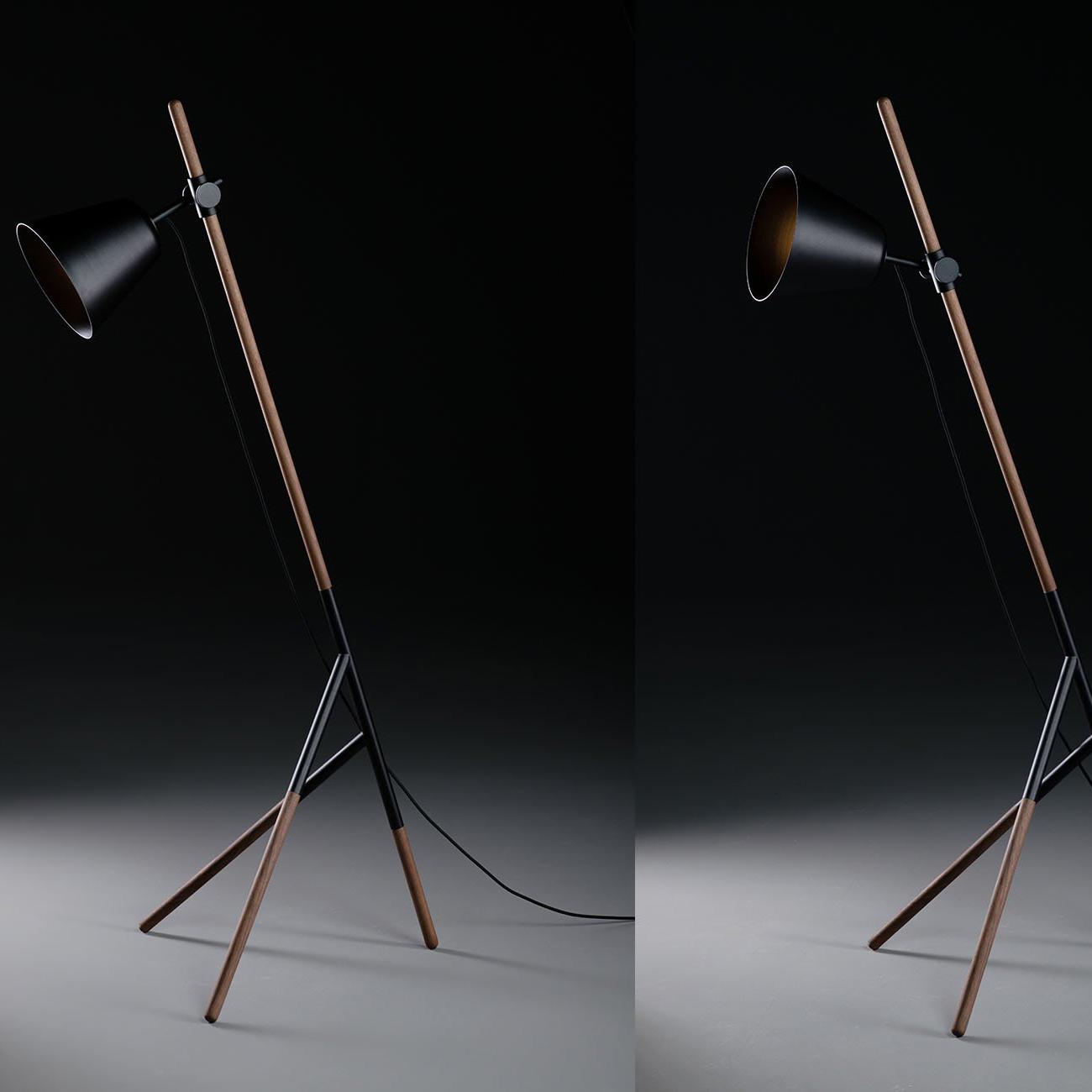 Lampara Insert, en madera maciza y acero pulverizado, de diseño actual y artesano