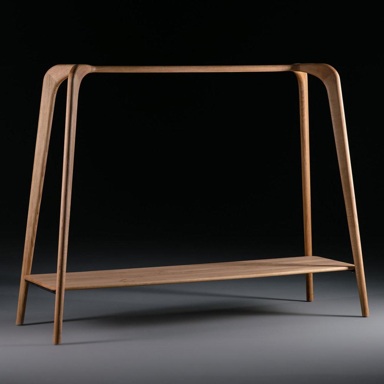 Perchero Swing, en madera maciza con un diseño vanguardista y de producción artesana.