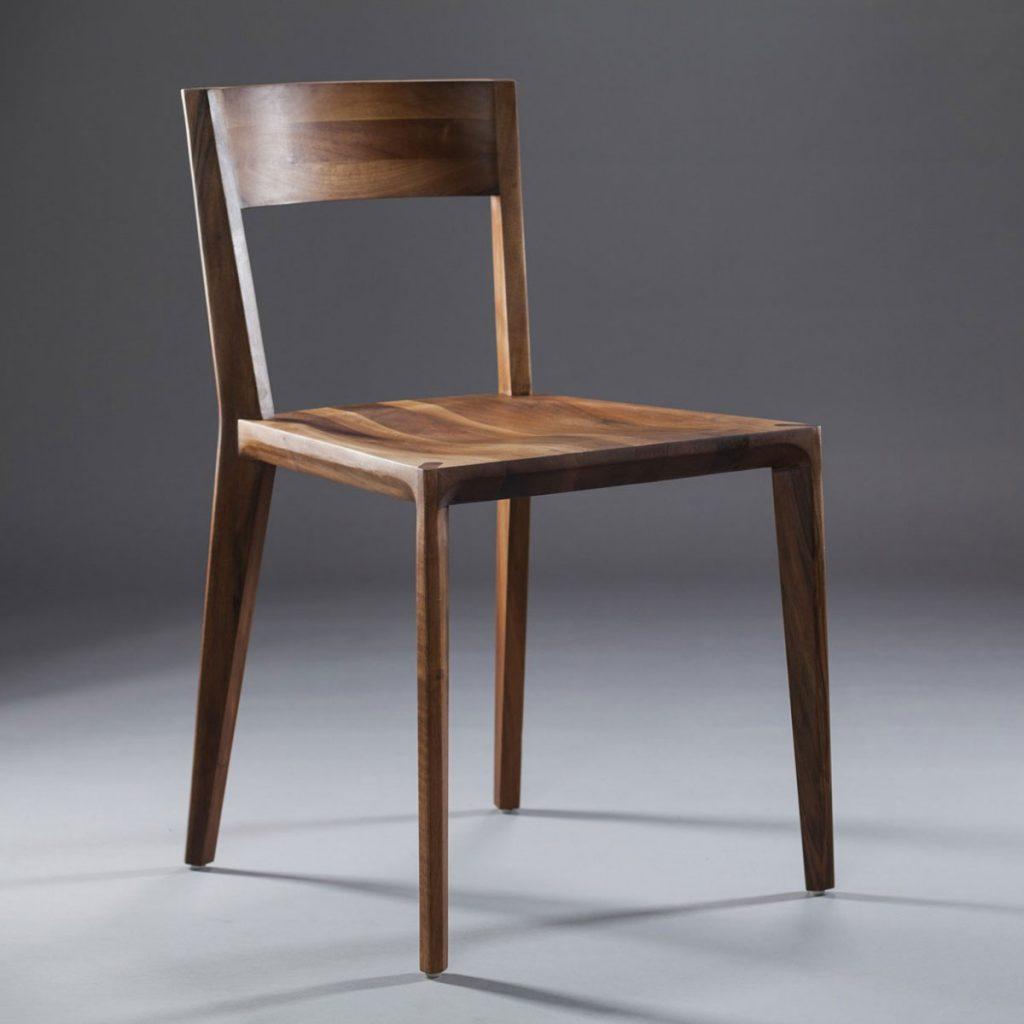 Silla Hanny realizada en madera de calidad con diseño actual y de producción artesana y exclusiva de Artisan