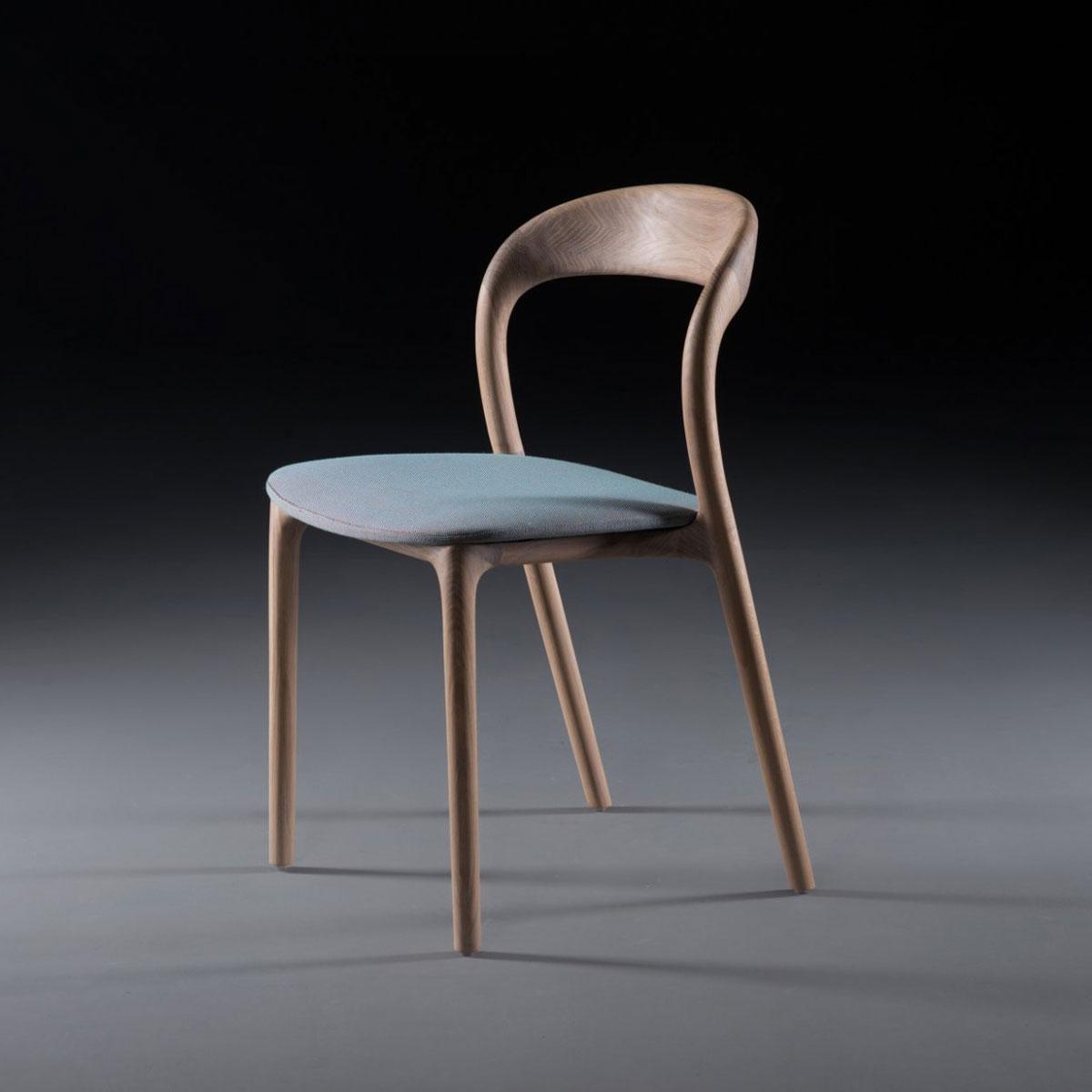 Silla Neva Light, diseño moderno y actual en madera y tapicería a elegir, de producción artesana de calidad europea