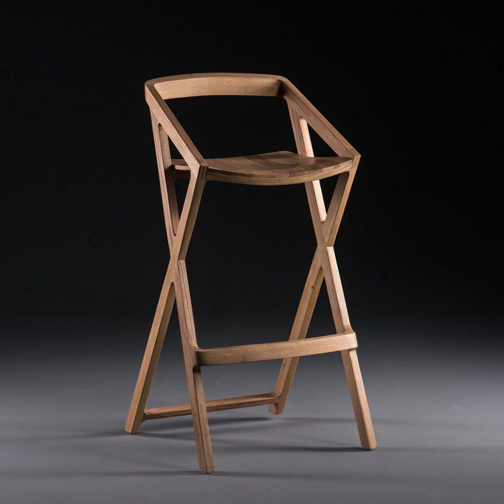 Silla Bar 7 en madera de calidad, con diseño exclusivo y actual en Europa