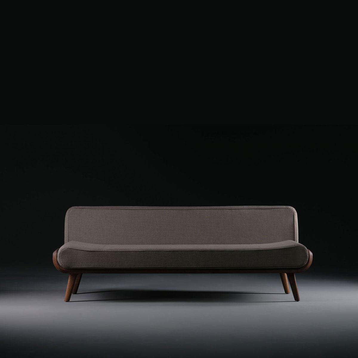 Sofa Flow en madera y tapicería, moderno con acabados actuales y producción artesana de calidad