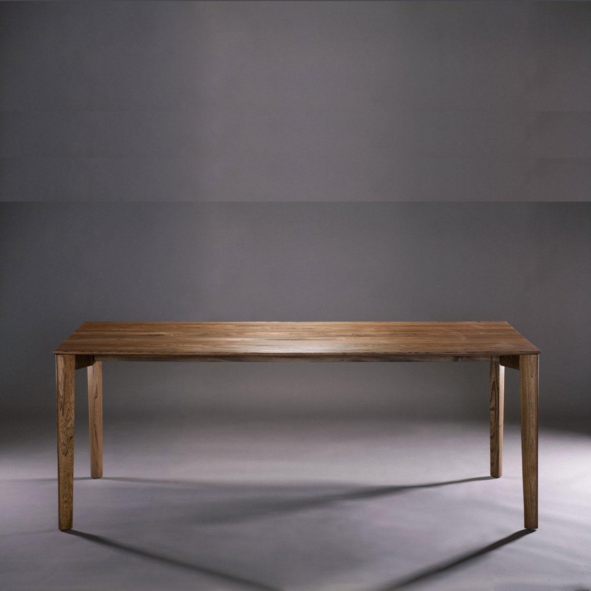 Mesa Fin en madera, con diseño original y producción artesana europea