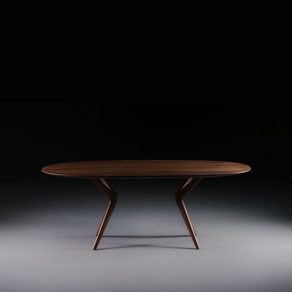 Mesa Lakri Oval en madera de calidad con un diseño moderno, de producción artesana de Bosnia