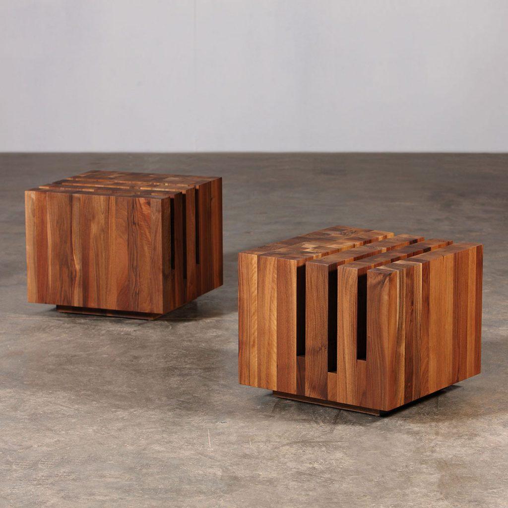 Mesa Cafe Cubo, realizada en madera de excelente calidad, vanguardista y exclusiva. Producción europea artesana para Artisan