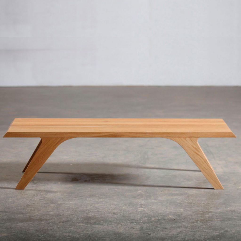 Mesa Cafe Uno, en madera maciza con diseño moderno y original, elaborada de forma artesanal