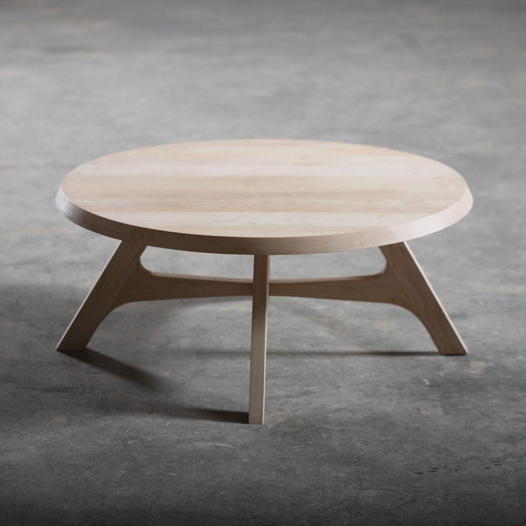 Mesa Cafe Zero, diseño vanguardista en madera para Artisan