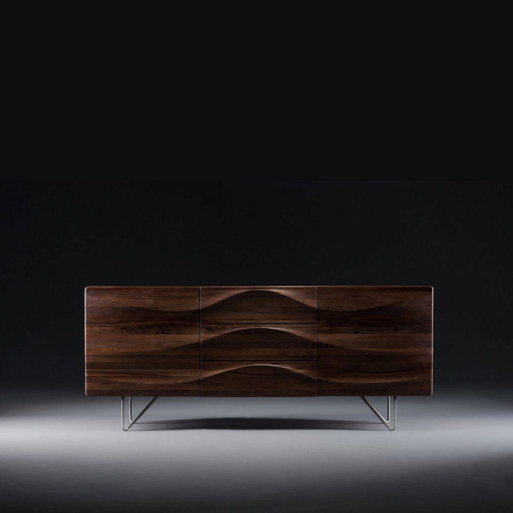 Aparador Lasta 2 en madera de calidad, patas de acero con cajones y puertas, vanguardista. Producción artesana y original para Artisan en Europa