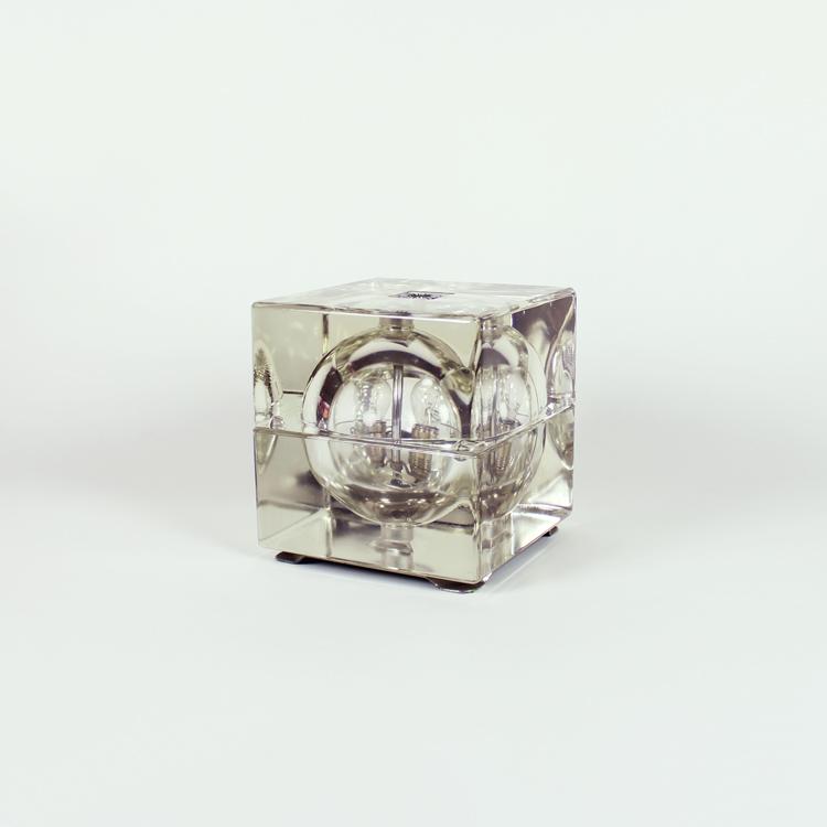 Lámpara Cubosfera de Alessandro Mendini. Italia, años 60
