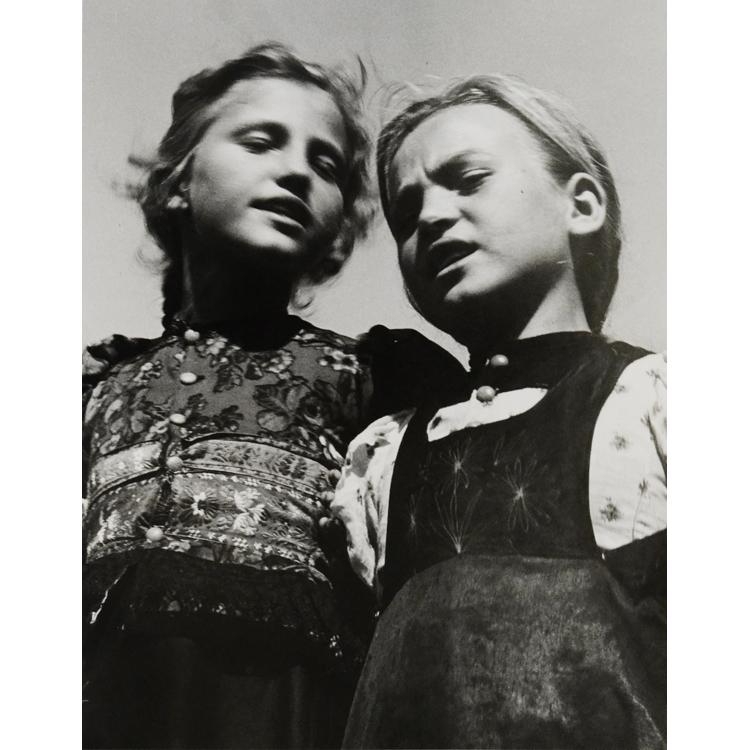 Niñas cantando, 1938. Nicolás Muller
