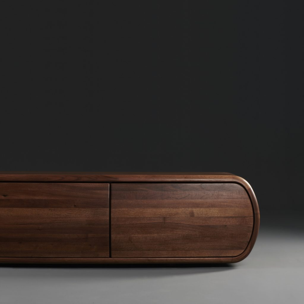 Aparador Wu de Studio Pang, realizado en madera para Artisan