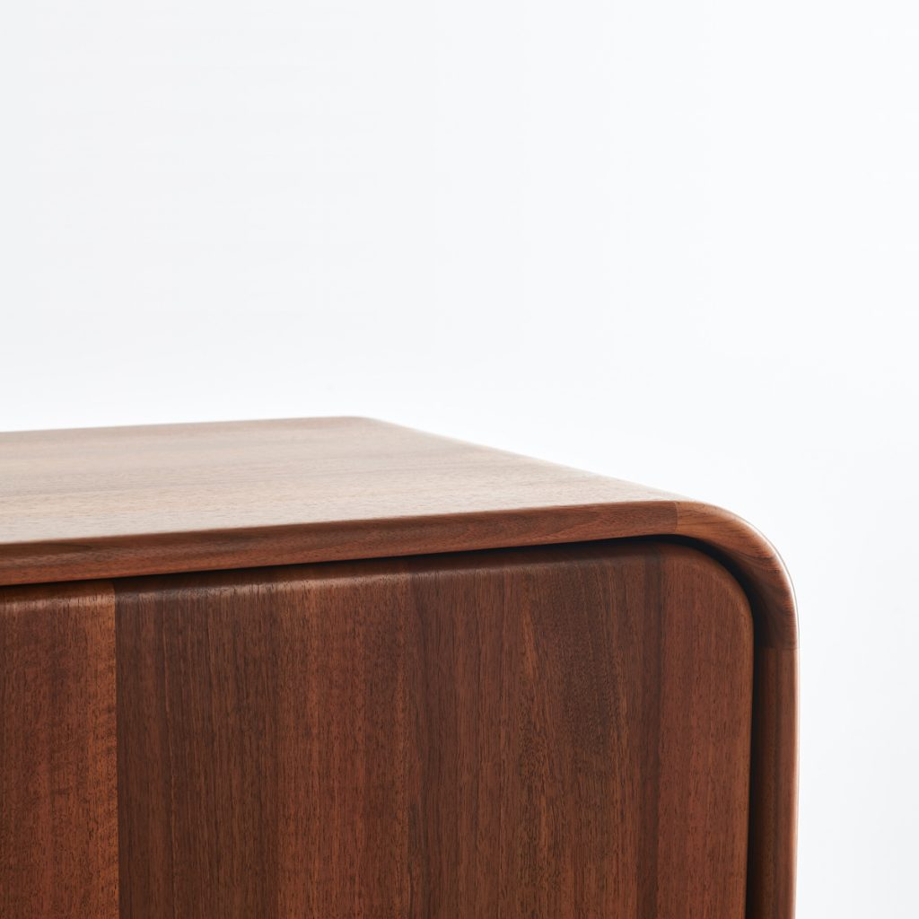 Archivador Eny, realizado en madera de calidad por Arteco, moderno y exclusivo para Artisan