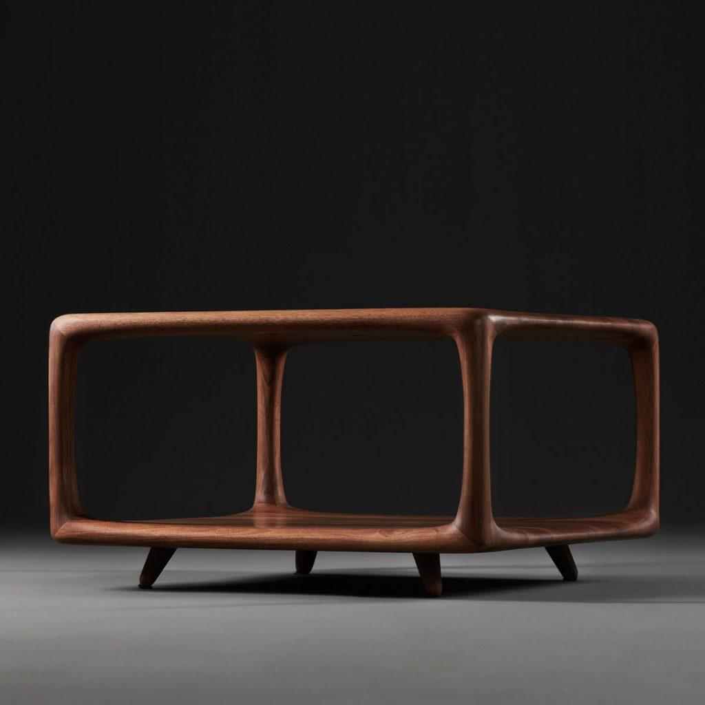 Mesa de centro Blend en madera de Mirko Miličić. Producción artesanal europea para Artisan