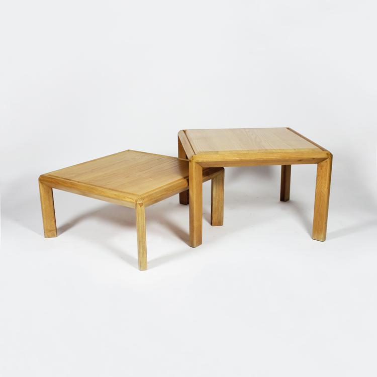 Juego de dos mesas de Pierre Chapo